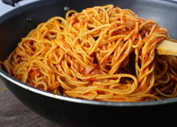 Jollof Spaghetti scaled