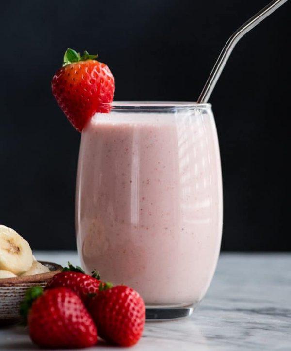 healthy strawberry banana smoothie recipe 7 e1549147043893