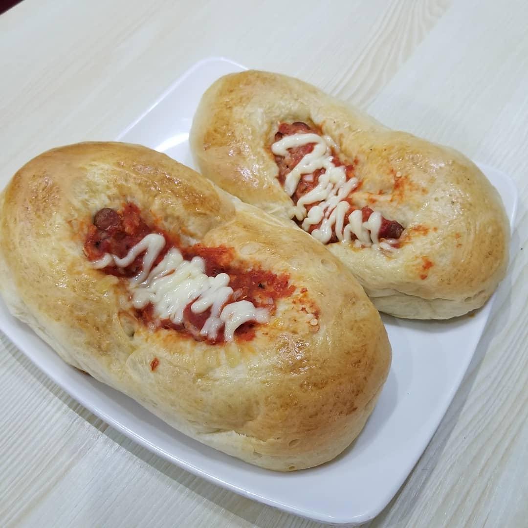 hotdog bread
