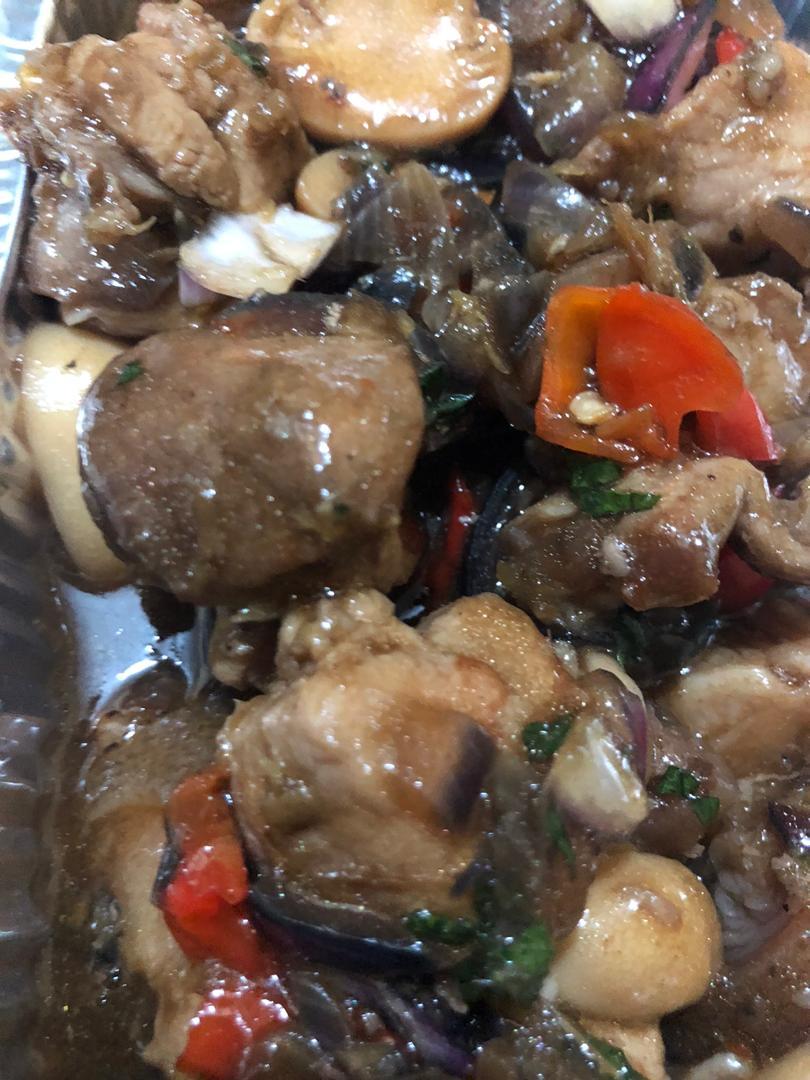 sweet soy pork with ushroom sauce